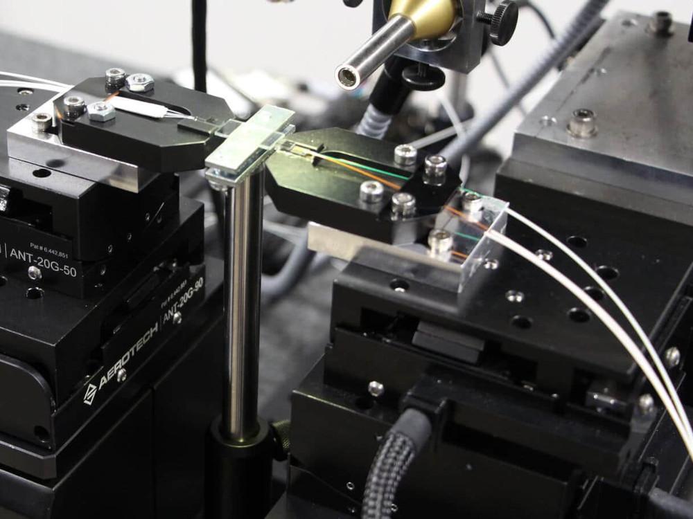 Photonik-Ausrichtungsplattform Fibermaxhp
