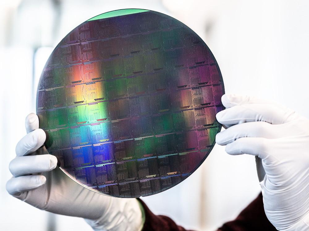 SiN-Wafer mit integrierten photonischen Schaltkreisen. Bild: imec